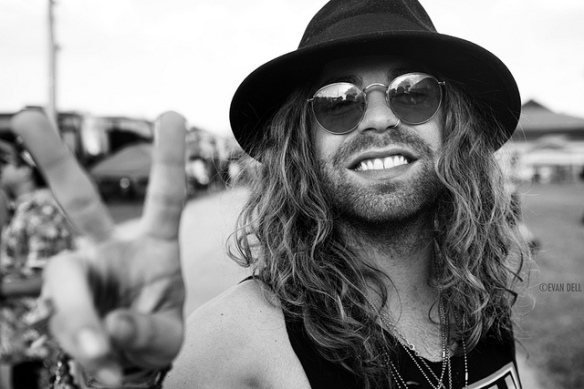 This is Mod Sun. (Photo copyright by Evan Dell)